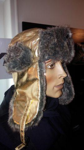 Zimska Subara sa postavom od krzna boja Zlatna