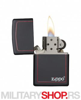 Zippo logo Mat crni sa crvenom linijom