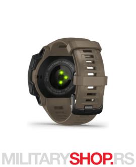 Garmin Instinct sat sa GPS uređajem Kojot
