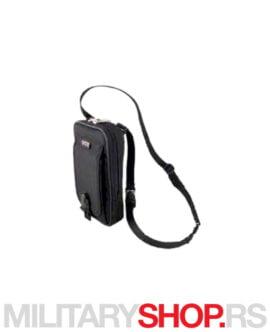 Muška torbica crne boje Protector Elegant predstavlja kompaktnu torbu za svakodnevno nošenje.